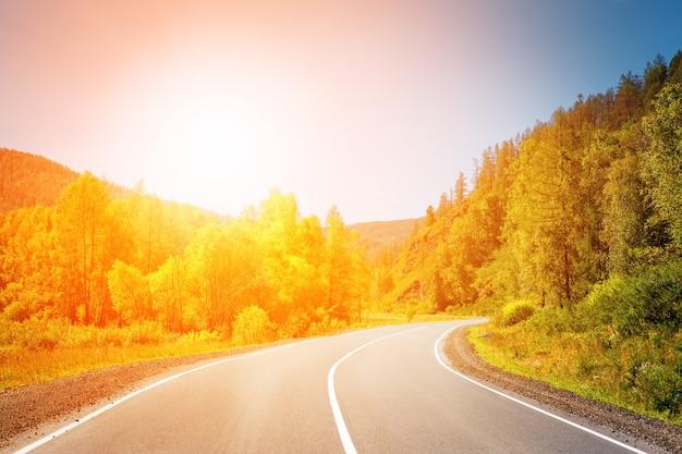 산에서 하이랜드 도로 고속도로