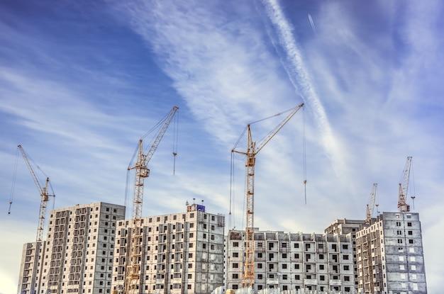 고층 크레인 및 마천루 건설