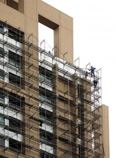 Highrise scaffolding