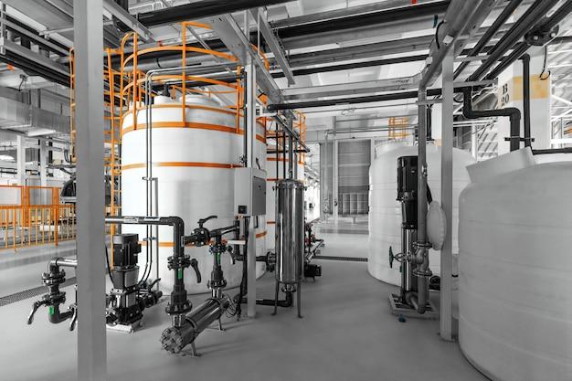 Высокотехнологичные производственные современные автоматизированные линии завода