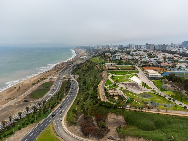 Highway of the costa verde, at the height of the district of miraflores in the city of lima, peru.