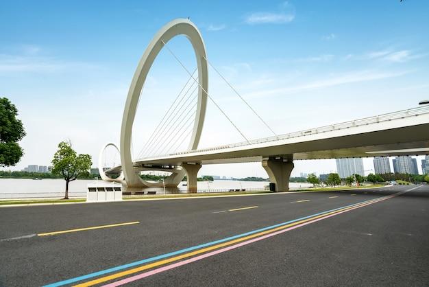 高速道路と橋
