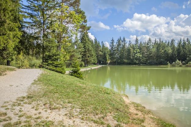 Hija glamping lake bloke in nova vas, slovenia