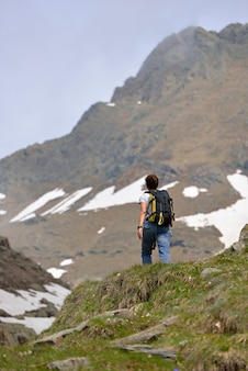 Hiker на пути вверх