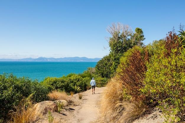 Походы и прогулки по новой зеландии. концепция походов и приключений