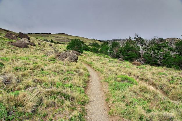 Поход по национальному парку лос-глейшер фитц рой, эль-чалтен, патагония, аргентина