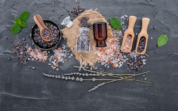 ラベンダーの花とヒマラヤ塩