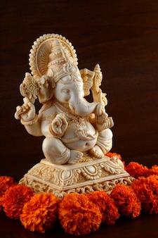 ヒンドゥー教の神ガネーシャ。ガネーシャアイドル