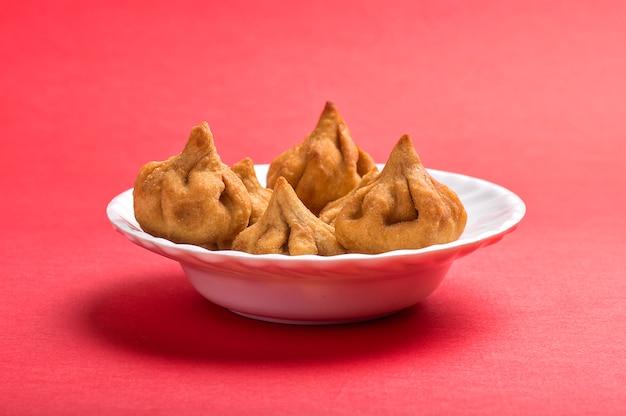 ヒンドゥー教の神ガネーシャのお気に入りの甘い料理modak