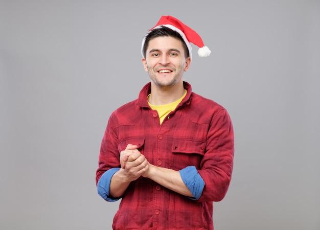 クリスマス帽子の流行に敏感な少年