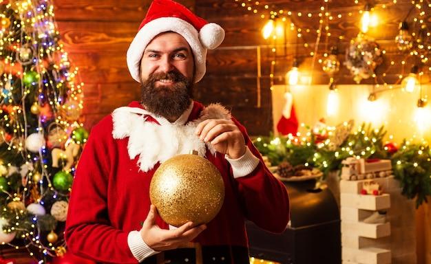 산타 클로스 옷에 hipster 남자
