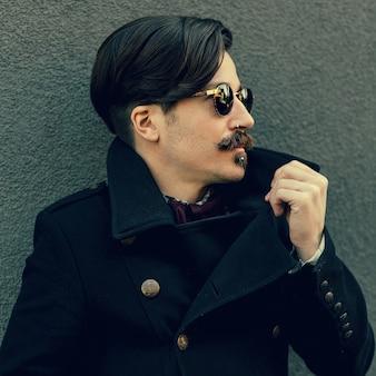 Hipster man. trendy autumn look. urban style