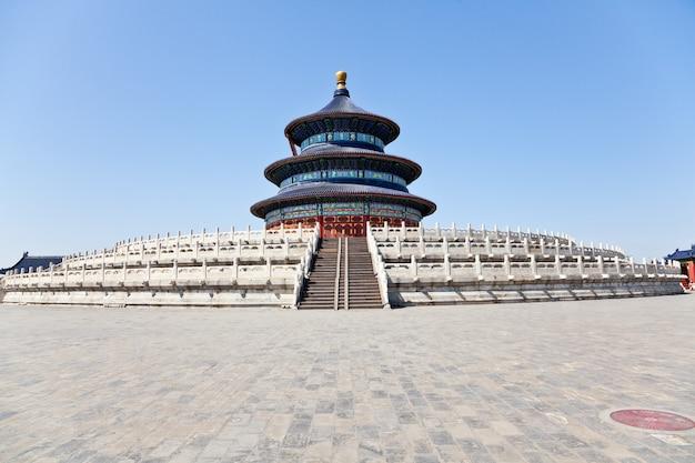 北京、中国の歴史的な天壇。豊作祈願の殿堂の様子。