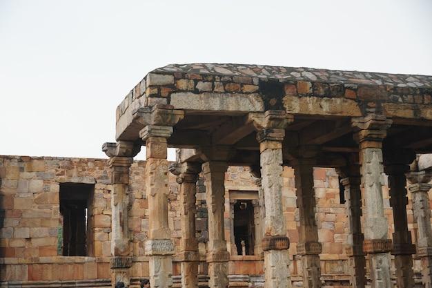 屋外の歴史的建造物の画像
