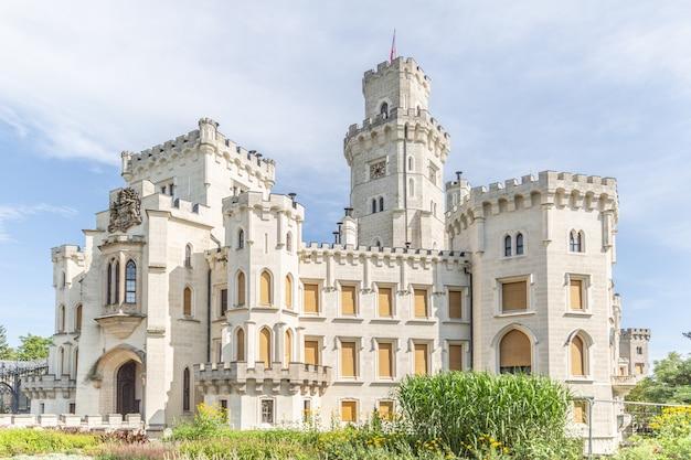 Глубока-над-влтавой чехия - один из красивейших замков европы.