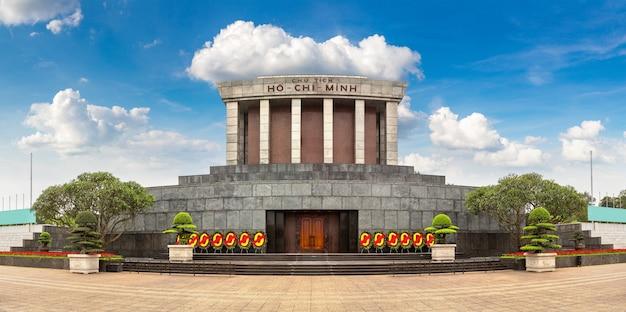 Мавзолей хо ши мина в ханое, вьетнам