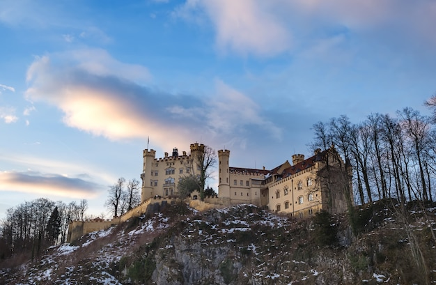 Замок хоэншвангау в баварии, зима.
