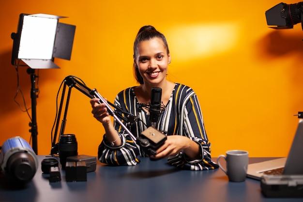 비디오 촬영 장비 보유 및 팟캐스트 녹음