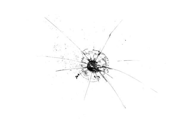 黒い背景に分離された亀裂のあるガラスの穴