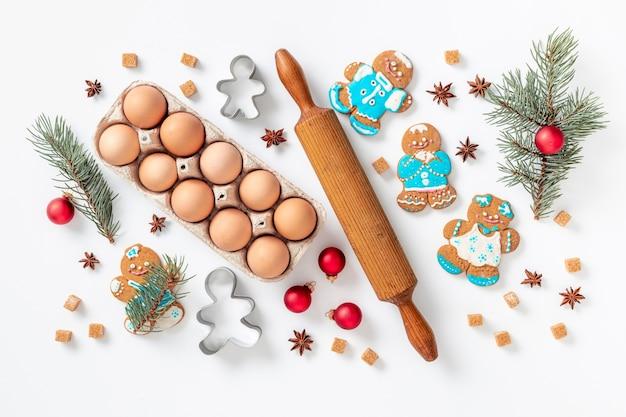 ジンジャーブレッドと休日のお祝いと料理のコンセプト