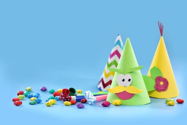 Праздничные шапки и декор