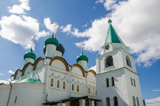正教会のキリスト教徒の聖地:ニジニノヴゴロドのアセンションペチェルスキー修道院