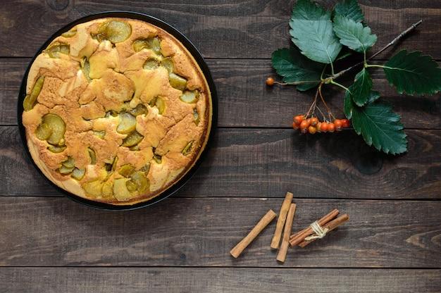 Торт шарлотка из груши и корицы со вкусом домашнего бисквита