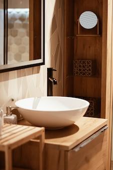 モダンな家やアパートの家具や細部の家の装飾やインテリアデザイン