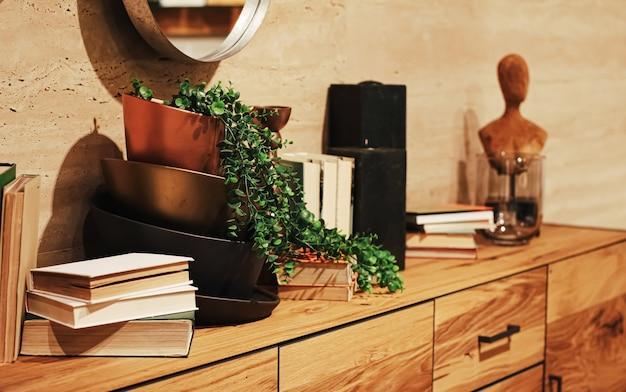 モダンな家やアパートの豪華な家具や装飾の詳細の家の装飾やインテリアデザイン Premium写真