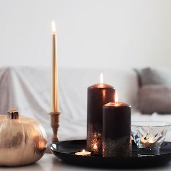 黄金のカボチャと非常に熱い蝋燭の家の装飾