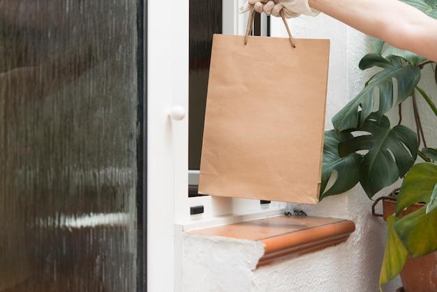 コロナウイルス感染のため、検疫時に食料品を配達する自宅covid-19