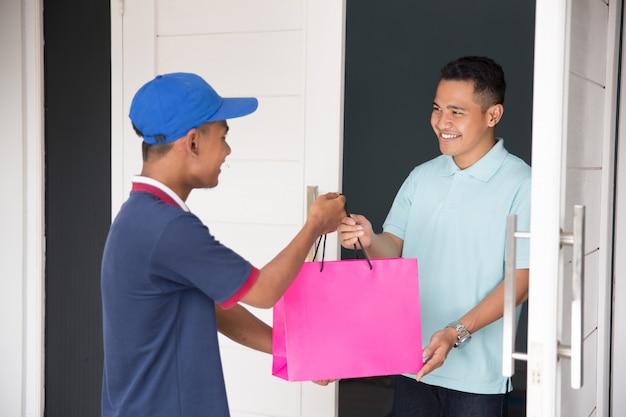 Служба доставки на дом