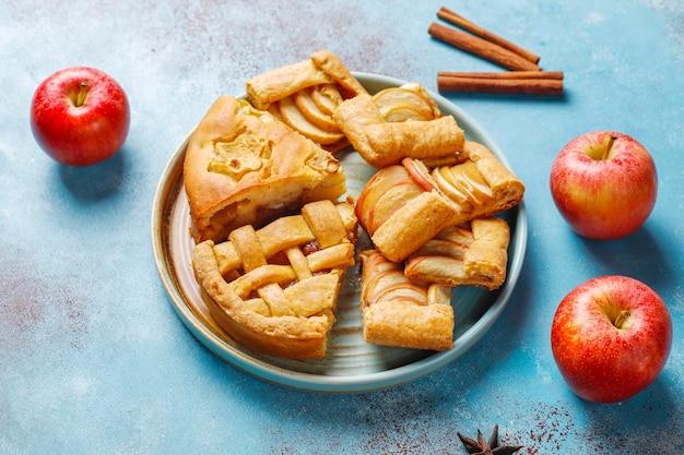 自家製アップルパイ、ケーキ、ガレット。