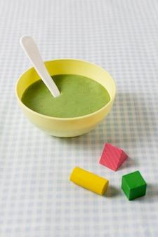 Домашнее детское питание с игрушками