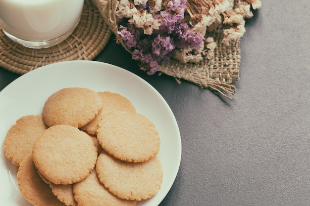 Homemade bakery:thin biscuits or cookies baked from multi grains serve with fresh milk.
