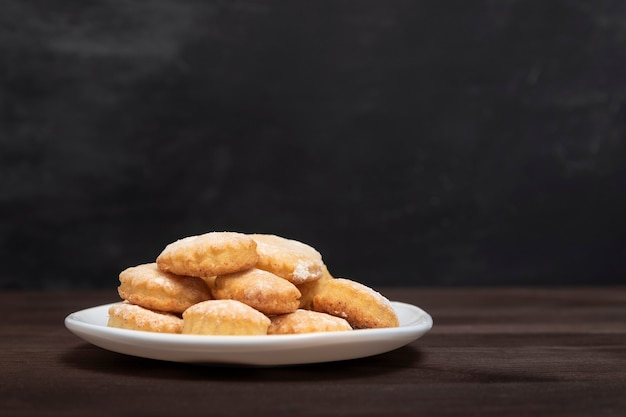 Домашняя выпечка. песочное печенье. аппетитное песочное печенье. выпечка к чаю. скопируйте пространство.