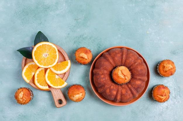 柑橘系の果物を使った自家製バントケーキ。