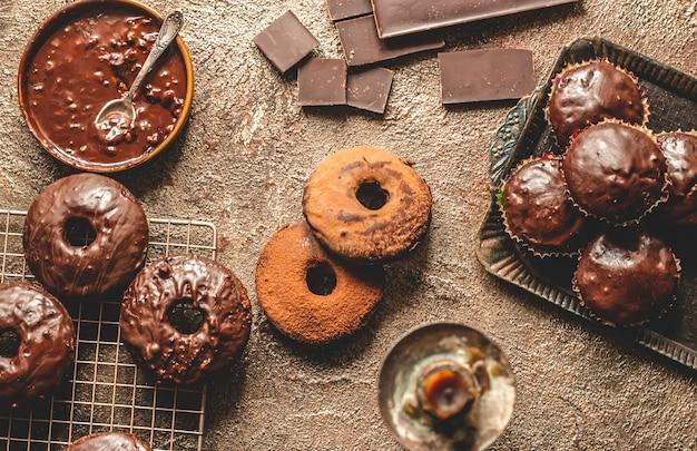 自家製チョコレートドーナツ