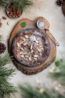 自家製チョコレートマスカルポーネチーズケーキとキャラメルアーモンドスライス