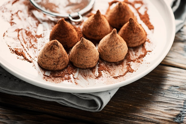自家製チョコレートトリュフ