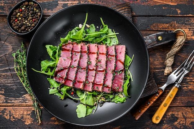 Домашний стейк из тунца с кунжутом на гриле