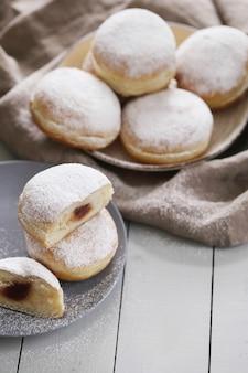 Ciambelle deliziose fatte in casa per dessert