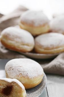 Домашние вкусные пончики на десерт