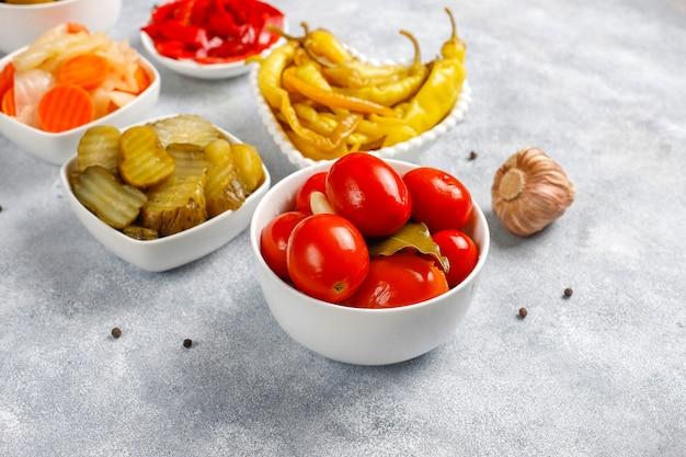 Sottaceti misti deliziosi e biologici fatti in casa.