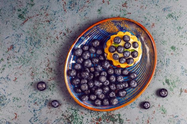 Домашние вкусные деревенские летние ягодные тарталетки.