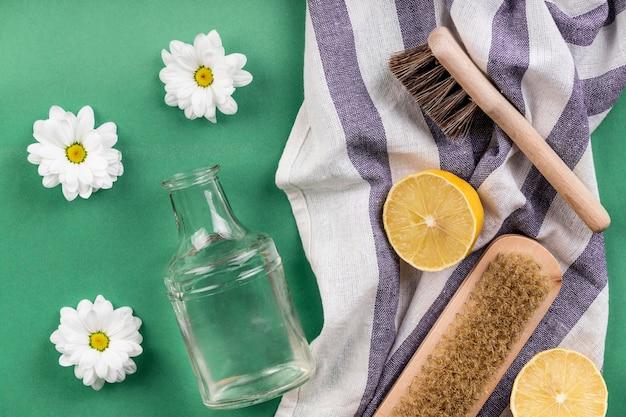 Prodotti per la pulizia ecologici fatti in casa sul panno