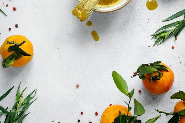 그릇 음식 사진에 집에서 만든 꿀 겨자 소스