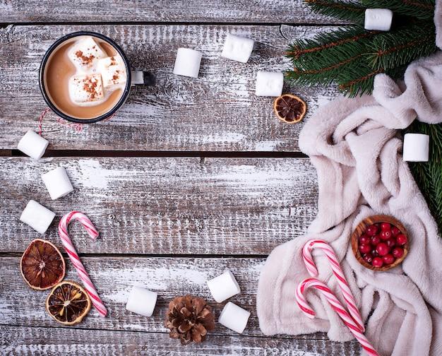 직접 만든 핫 초콜릿 또는 코코아 음료