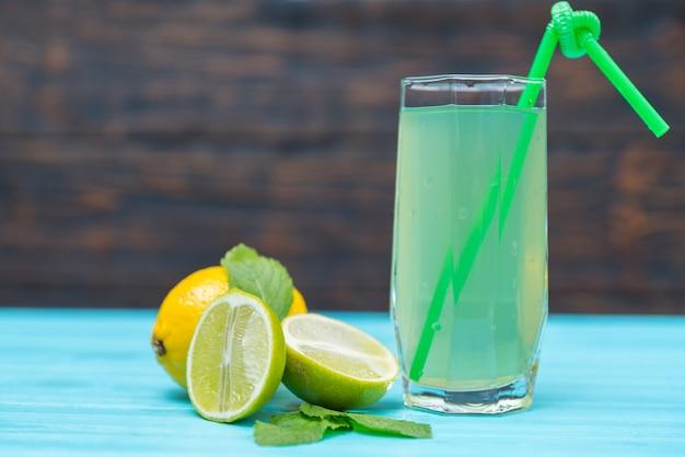 Домашний лимонад со свежим лаймом и лимоном