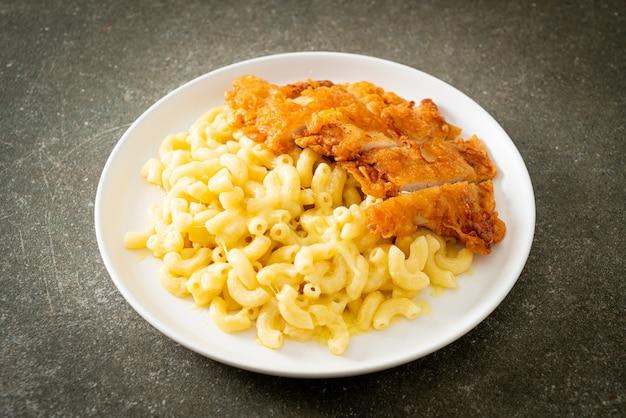 自家製マカロニアンドチーズとフライドチキン